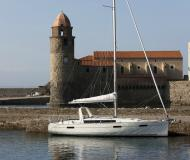 Sail boat Oceanis 41 available for charter in Bormes les Mimosas
