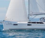Sail boat Oceanis 41 available for charter in Marina Red Hook