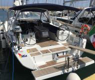 Sailing boat Oceanis 41 for rent in Tropea Marina
