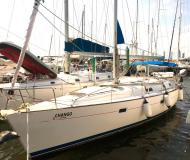 Sailing boat Oceanis 411 Clipper for rent in Cartagena