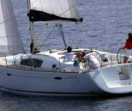 Yacht Oceanis 423 for rent in Limin Poros