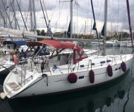 Yacht Oceanis 423 available for charter in Alimos Marina Kalamaki