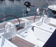 Sailing boat Oceanis 423 for rent in Talamone Marina