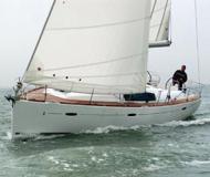 Segelboot Oceanis 43 Yachtcharter in Marina Cala de Medici