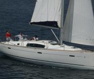 Segelboot Oceanis 43 Yachtcharter in Neapel