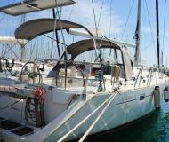 Sailing boat Oceanis 473 Clipper available for charter in Alimos Marina Kalamaki