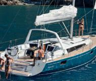 Sailing yacht Oceanis 48 for hire in Tropea