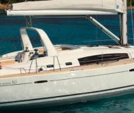 Segelyacht Oceanis 50 chartern in Grand Harbour Marina