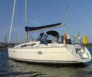 Sailing boat Sun Odyssey 32 available for charter in Landbouwhaven Marina