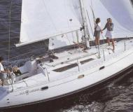 Yacht Sun Odyssey 33i for rent in Marina di Portorosa