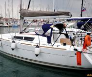 Sailing yacht Sun Odyssey 33i available for charter in Marina Izola