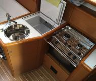 Sail boat Sun Odyssey 33i available for charter in Marina di San Vincenzo