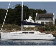 Sailing yacht Sun Odyssey 33i for rent in Finikas