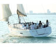 Sailing boat Sun Odyssey 379 for rent in Marina Red Hook