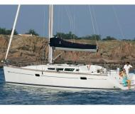 Yacht Sun Odyssey 42i available for charter in Nettuno