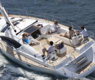 Yacht Sun Odyssey 43 chartern in Marina di Scarlino