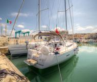 Sailing yacht Sun Odyssey 439 for hire in San Vincenzo