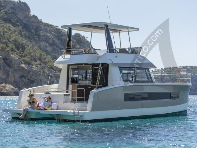 Charter Catamaran FOUNTAINE PAJOT MY 37 for rent in France