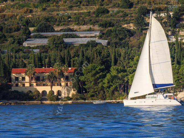Kat Lagoon 500 Yachtcharter in ACI Marina Split