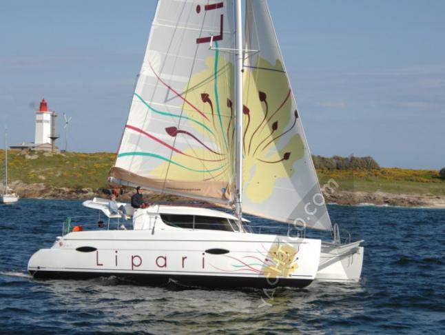 Katamaran Lipari 41 chartern in Marina Abel Point