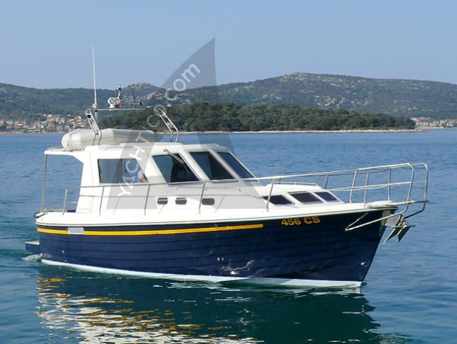 Adria 1002 Vektor Motoryacht Charter Biograd na Moru
