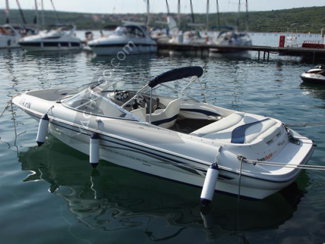 Bayliner 215 Capri Motorboot Charter Kroatien