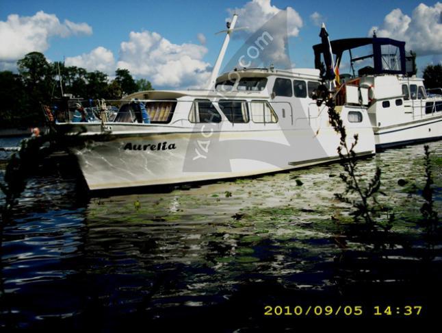 Burmester Motoryacht Charter Berlin