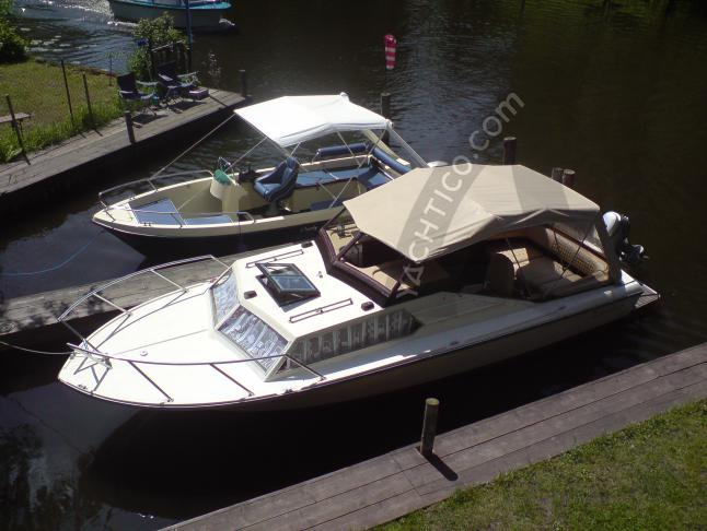 Motor boat Poseidon available for charter in Berlin City