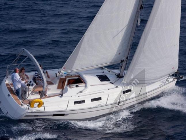 Segelyacht Bavaria 32 Cruiser Yachtcharter in Trogir