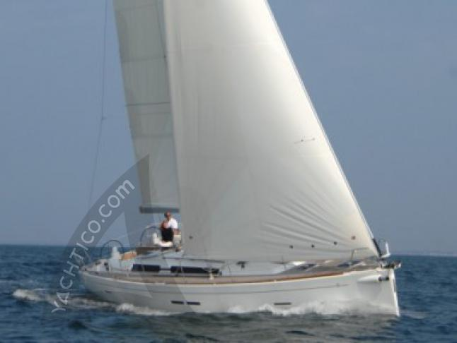 Dufour 455 Segelyacht Charter Port Cros Town