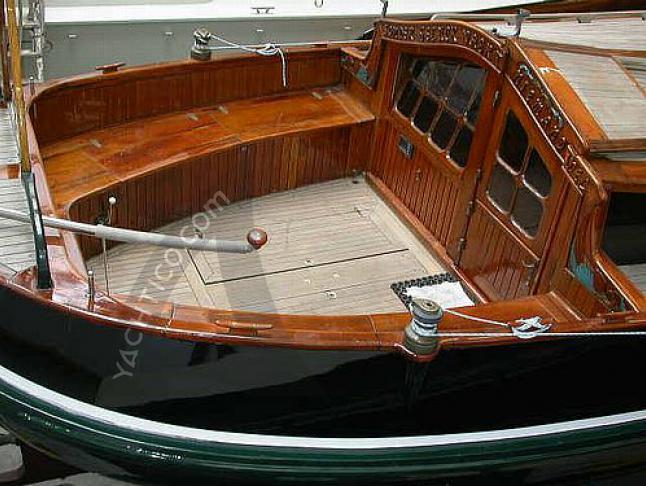 Yacht Lemsteraak Zeeroos Yachtcharter in Zuiderhaven