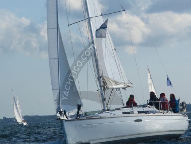 Oceanis 34 Segelyacht Charter Heiligenhafen