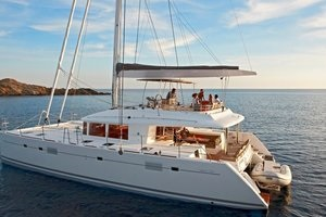 Catamaran Rental - Sailing Catamarans and Power Cats | YACHTICO.com