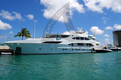 Premium Yacht Vacation - Luxury Motoryacht Primadonna - Yacht Charter Caribbean   YACHTICO.com